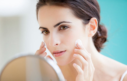 Advies bij verzorgingsproducten (huid, haar, mond)